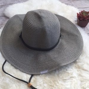 Columbia Straw Sun hat with leather straps